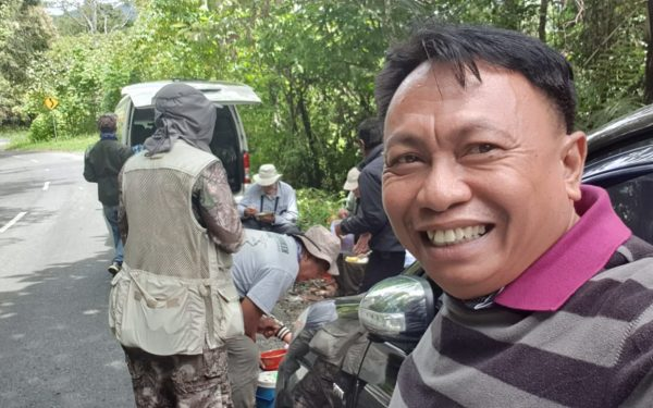 peter-roberts-birding-tours-to-gunung-gede-on-west-java-and-kerinci-seblat-national-park-includeded-tapan-road-on-jambi-and-the-waykambas-np-on-lampung-49